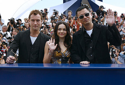 cannes-wong-kar-wai-norah-jones-y-jude-law.jpg
