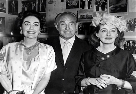 bette-davis-jack-warner-y-joan-crawford.jpg
