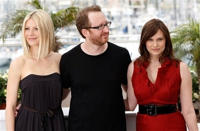 two-lovers-photocall-cannes.jpg