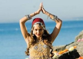 jessica-alba-en-the-love-guru-1.jpg