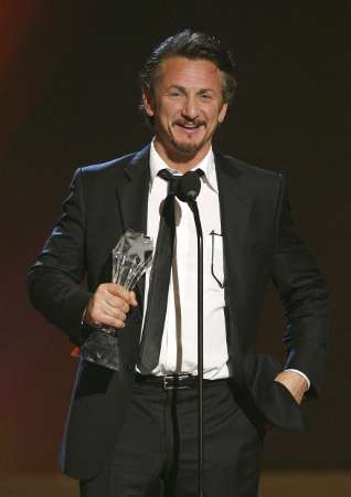 sean-penn-critics-choice.jpg