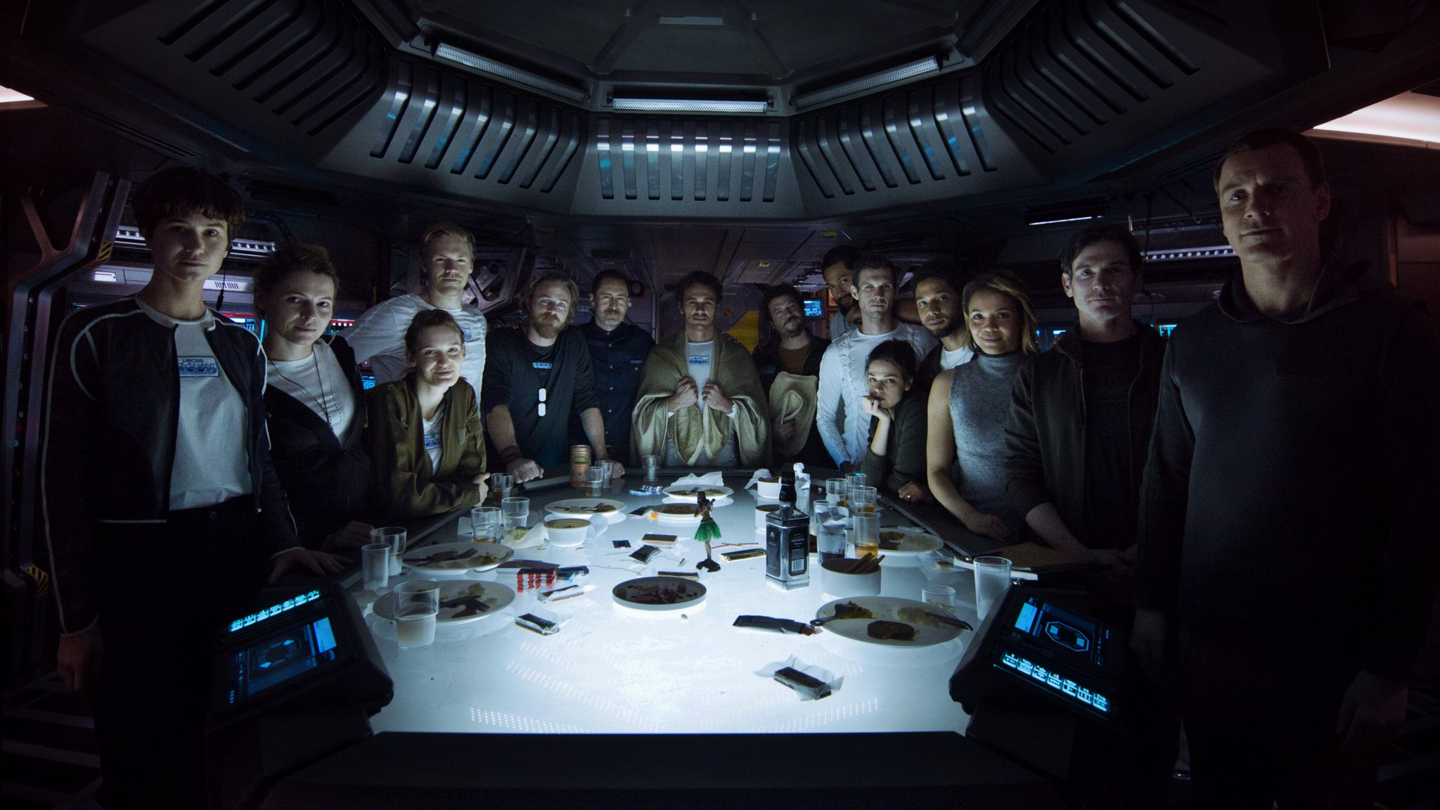 alien--covenant-crew-174699