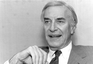 Martin Landau -- TV and movie actor Martin Landau discussing his role in new Woody Allen movie to open soon. October 09, 1989. (Photo by Michael Schwartz/New York Post Archives / (c) NYP Holdings, Inc. via Getty Images)